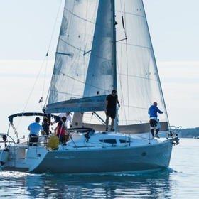 Martina II (sails 2015)