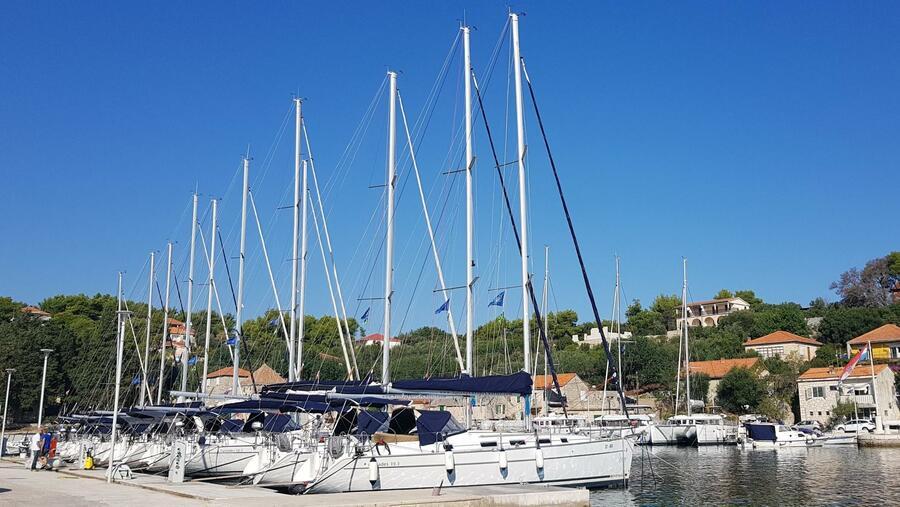 Marina Rogač - sailboats (photo taken 2019) - 0