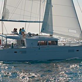 Summer Wind 1 (AC 4 cabin version, generator, icemaker)