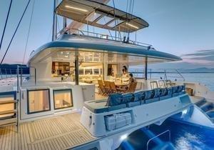 https://12knots.ru/storage/app/media/seo_yachtcharter/st-martin-cabin-charters-1.jpg