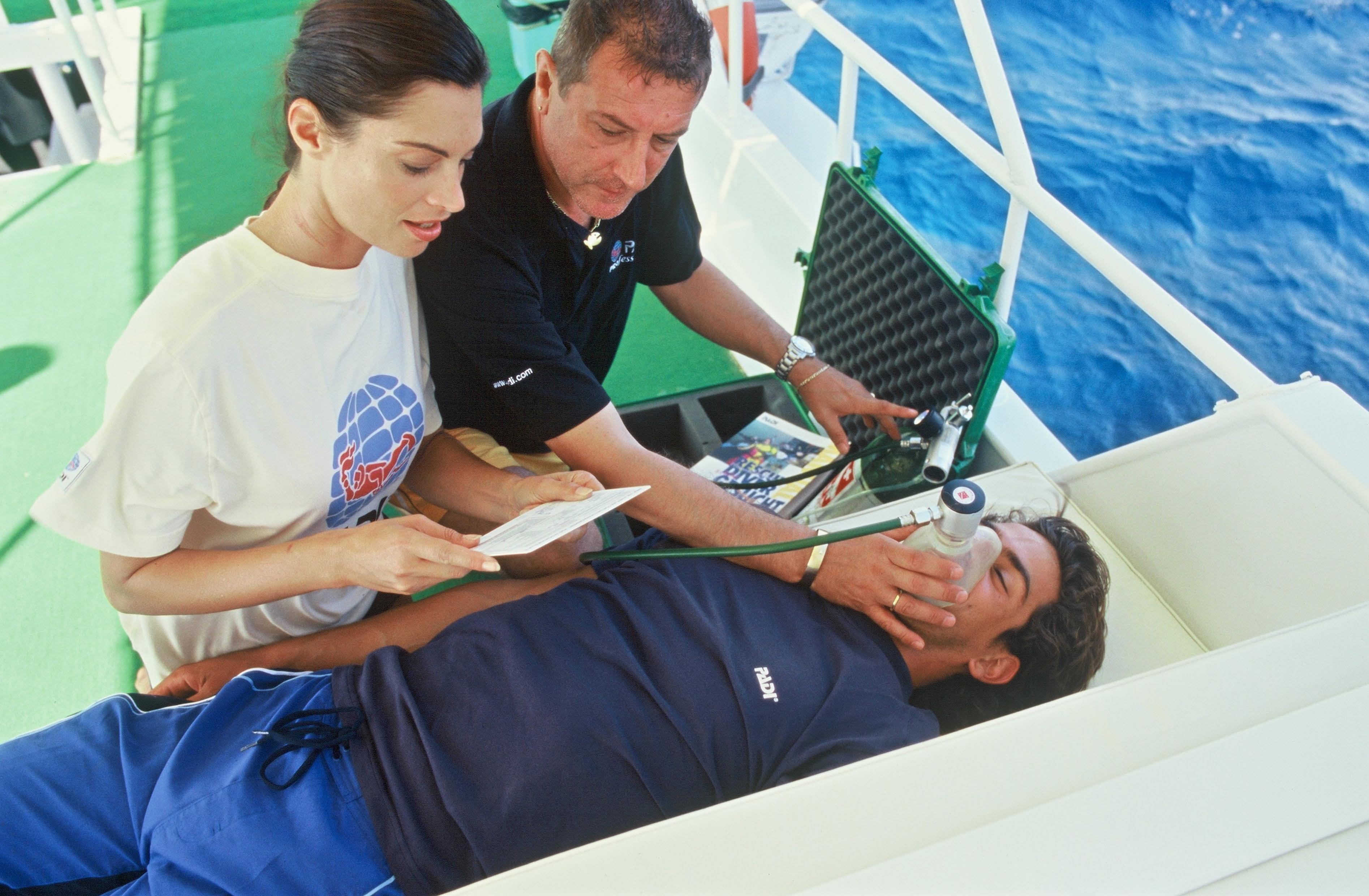 Яхтенный семинар по оказанию первой помощи на воде - First aid.jpeg